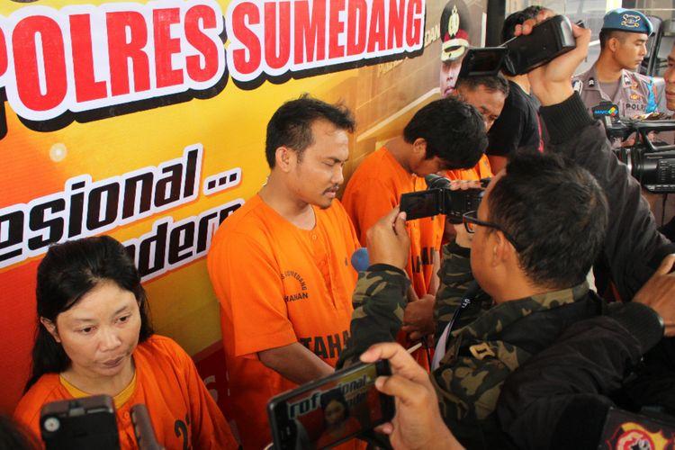 Polres Sumedang meringkus 4 pelaku penganiaya hingga tewas warga asal Aceh bernama Jufrizal, Senin (25/3/2019).