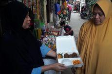 Ratusan Paket Olahan Daging Kurban Dibagikan untuk Warga Miskin di Kampung Melayu