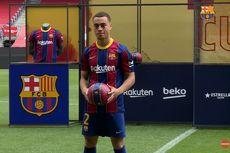 Barcelona Resmi Perkenalkan Sergino Dest di Camp Nou