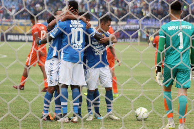 Pertandingan Persib vs Borneo FC pada leg kedua delapan besar Piala Indonesia 2018.