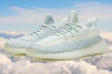 Yeezy Cloud White, Terbaru dalam Warna Awan