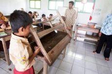 Guru di Tempat Terpencil Sukabumi, Pengabdian Tak Berbatas