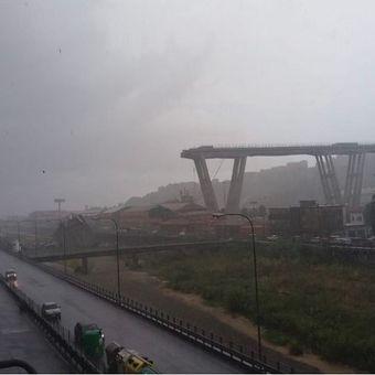 Beginilah kondisi jembatan Morandi di kota Genoa, Italia yang ambruk pada Selasa (14/8/2018).
