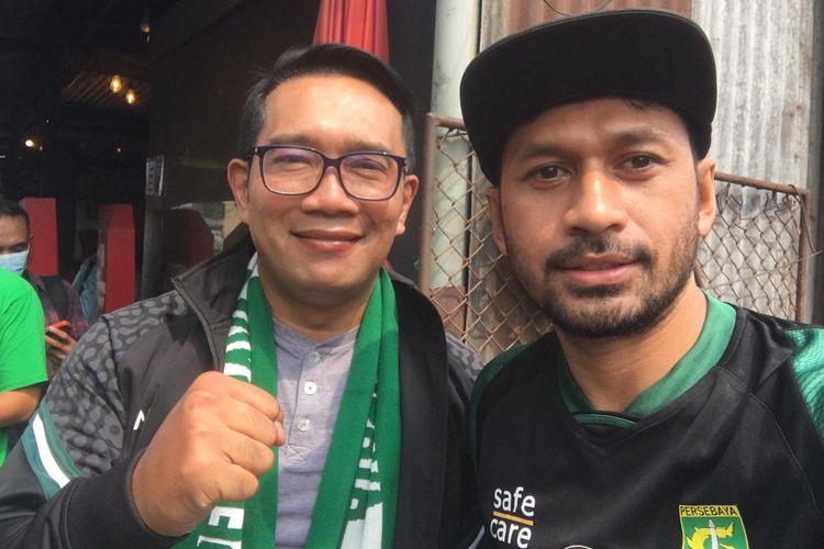 Gubernur Jawa Barat Ridwan Kamil bertemu dan menjalin silaturahmi dengan suporter Persebaya Surabaya, Bonek di Warung Kopi Pitulikur, Surabaya, Minggu (30/05/2021) siang.