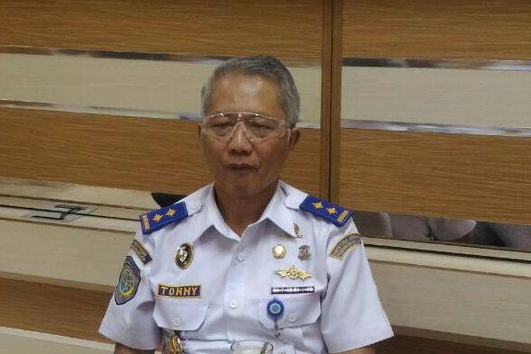 Direktur Jenderal Perhubungan Laut Kemenhub Tonny Budiono di Kantor Kementerian Perhubungan, Jakarta, (23/6/2016)