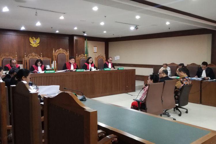 Sidang pemeriksaan saksi untuk Markus Nari, terdakwa kasus dugaan merintangi proses pemeriksaan dalam persidangan kasus korupsi pengadaan proyek Kartu Tanda Penduduk (KTP) berbasis elektronik atau e-KTP.