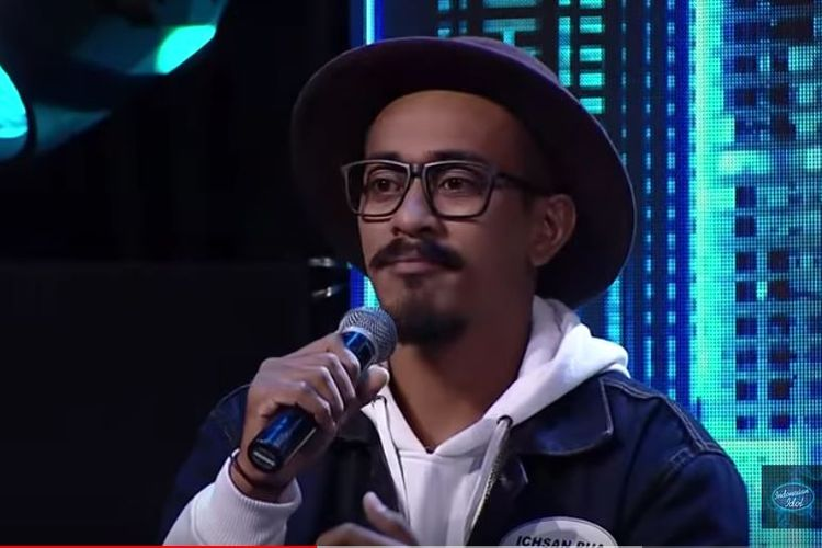 Peserta Indonesian Idol, Ichsan Pua Mbusa gagal melaju babak selanjutnya karena suaranya tiba-tiba habis.