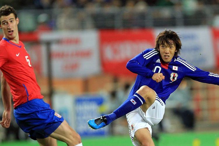Shunsuke Nakamura saat masih aktif bermain untuk timnas Jepang.