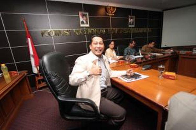Kabareskrim Irjen Pol Budi Waseso (kiri) menyambangi Komnas HAM guna memenuhi panggilan terkait pelaporan Koalisi Masyarakat Sipil, di Kantor Komnas HAM, Jakarta, Jumat (30/1/2015). Budi Waseso memberikan keterangan mengenai penangkapan Wakil Ketua KPK Bambang Widjojanto oleh Bareskrim Mabes Polri beberapa waktu lalu.