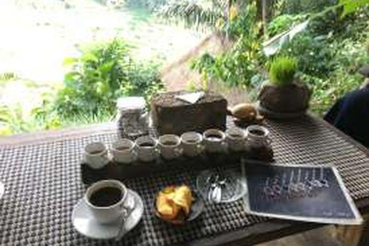 Bali Pulina terletak di Jalan Banjar Pujung Kelod, Desa Sebatu, Kecamatan Tegalalang, Gianyar, Bali. Ini adalah salah satu lokasi terbaik untuk mencicipi kopi khas Pulau Dewata.