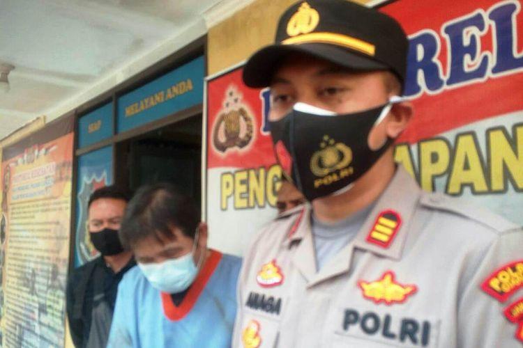 Jajaran Polsek Sukaluyu, Cianjur, meringkus HS (57), buronan kasus penggelapan pajak perusahaan. Pelaku sendiri menilap uang perusahaan senilai Rp2,7 miliar.