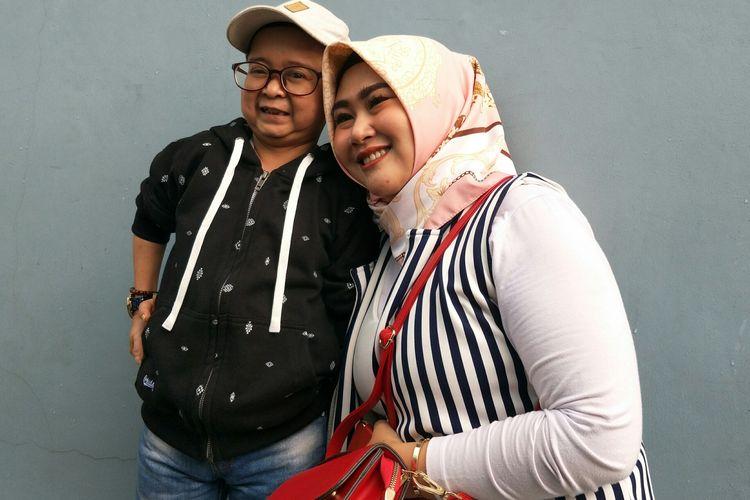 Daus Mini dan istri, Selviana Hana Wijaya saat ditemui di Gedung Trans TV, Jakarta Selatan, Selasa (7/1/2020)
