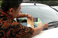 Petugas Pajak Buru Mobil yang Tunggak Pajak di Parkiran Mal