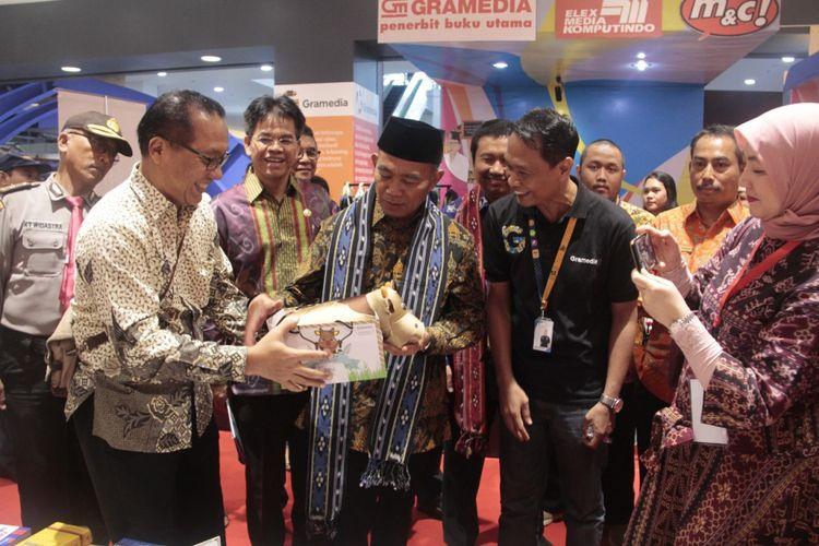 Gubernur NTB, Muhammad Zainul Majdi turut hadir dalam Lomba Kompetensi Siswa SMK ke-26 (7/5/2018)