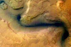 Studi Tunjukkan, Lembah di Mars Muncul karena Gletser Es, Bukan Sungai