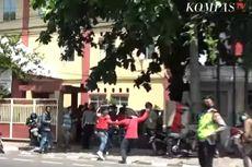 Video Detik-detik Buruh Dilempari Batu Saat Demo di Disnaker Makassar
