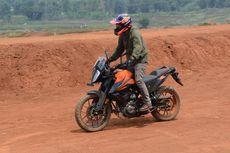 Tes KTM 390 Adventure di Aspal dan Tanah