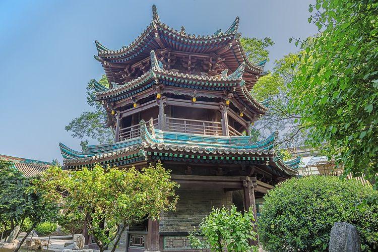 Ilustrasi masjid - Pagoda yang dijadikan sebagai pengganti menara untuk mengumandangkan adzan dari Masjid Raya Xian yang merupakan masjid tertua di Xian, China. Masjid dibangun pada masa Dinasti Tang.