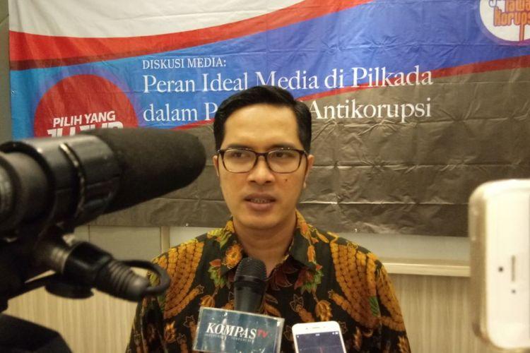 Jubur Bicara KPK, Febri Diansyah saat memberikan keterangan kepada wartawan di Ambon, Rabu (25/4/2018).