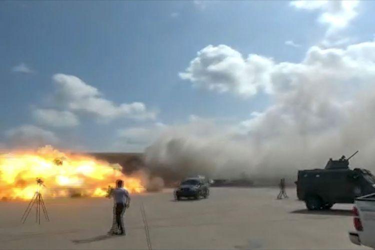 Ledakan di bandara Aden Yaman pada Rabu tak lama setelah kedatangan pesawat yang membawa anggota pemerintah persatuan yang baru, kata seorang koresponden AFP di tempat kejadian.