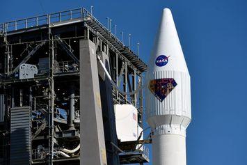 Wahana Antariksa Lucy NASA Menuju Asteroid Trojan Jupiter, Ini Misi yang Dilakukan