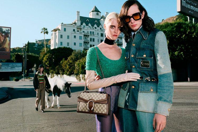 Sebuah iklan fashion dari Gucci.