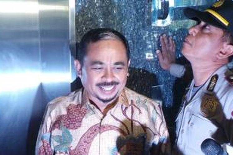 Mantan Presiden Partai Keadilan Sejahtera (PKS), Luthfi Hasan Ishaaq, sebelum sidang di Pengadilan Tipikor Jakarta, Senin (8/7/2013).