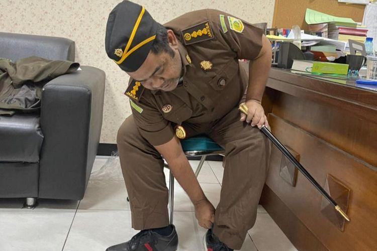 Abdussomad mengaku sebagai jaksa ditangkap tim intelijen Kejari Surabaya.
