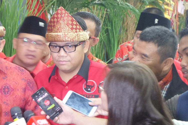 Dodi Reza Alex Noerdin dan Giri Ramanda di Kantor DPP PDI Perjuangan di Lenteng Agung, Jakarta, Minggu (7/1/2017).