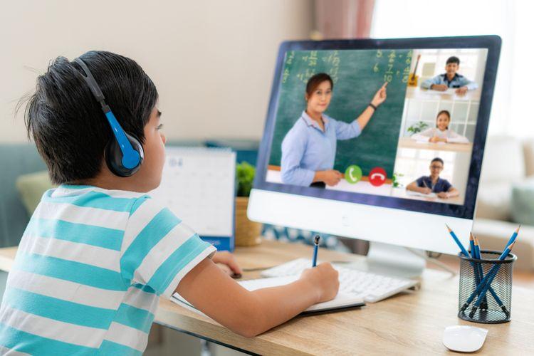 Ilustrasi anak belajar daring, Pembelajaran Jarak Jauh (PJJ) selama pandemi Covid-19. Orangtua perlu memahami karakteristik cara belajar anak usia 5-12 tahun.