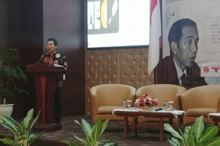 Staf Khusus Presiden Diaz Hendropriyono saat membuka acara Pemerintah Jokowi-JK di Mata Pemuda di Kompleks Istana Kepresidenan, Jakarta, Senin (12/2/2018).