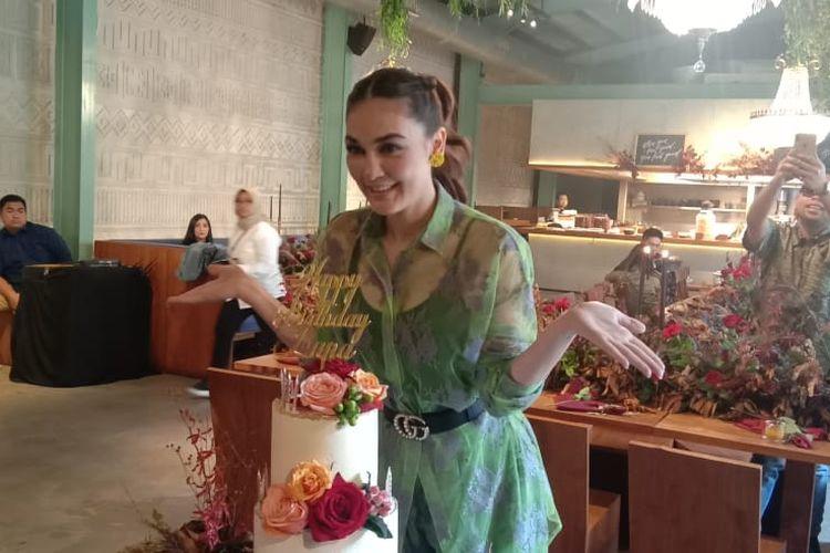 Luna Maya merayakan pesta hari ulang tahun ke-36 di KAUM Menteng, Jakarta Pusat, Senin (26/8/2019).