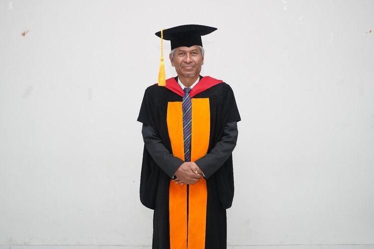 Prof. Dr. H. Amung Ma?Mun, M.Pd, Guru Besar Ilmu Kebijakan dan Pengembangan Olahraga Universitas Pendidikan Indonesia.