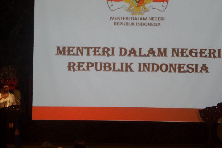 Mendagri Tjahjo Kumolo, Menteri Perekonomian Darmin Nasutin, dan Plt Gubernur DKI Jakarta saat pembukaan Muserenbang Provinsi DKI Jakarta di Balai Kota, Jakarta Pusat, Rabu (29/3/2017)