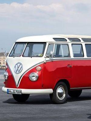 VW Caravelle Generation Six hanya dipasarkan di Inggris.