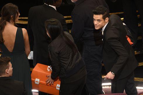 Rami Malek Diperiksa Paramedis Setelah Jatuh dari Panggung Oscar 2019