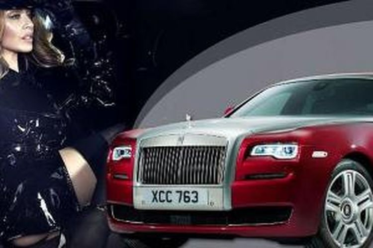 Aksi Kylie Minogue di Rolls-Royce Ghost