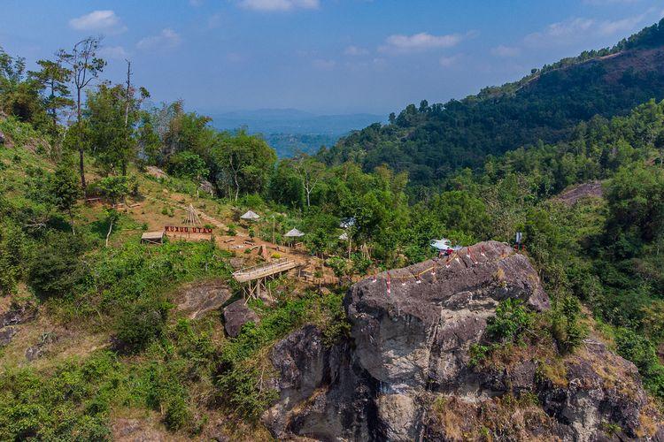 Watu Dukun di Manyaran, Wonogiri.