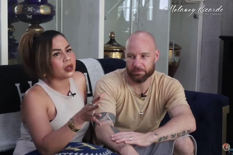 Pasangan artis Melaney Ricardo dan Tyson Lynch