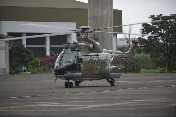 TNI Angkatan Udara (AU) menerima satu unit helikopter Super Puma NAS332 C1+ rancangan PT Dirgantara Indonesia (Persero) atau PT DI.