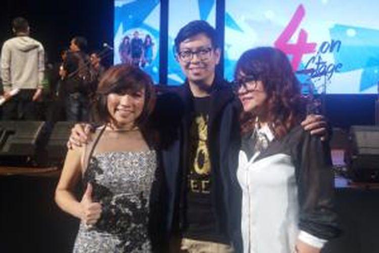 D'Cinnamons  diabadikan dalam acara 4 On Stage, di Graha Bhakti Budaya, Taman Ismail Marzuki, Jakarta Pusat.