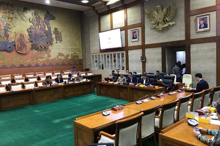 Rapat Komisi VI DPR dalam rangka mengesahkan nama-nama anggota Panja Jiwasraya di Kompleks Parlemen, Senayan, Jakarta, Selasa (21/1/2020).