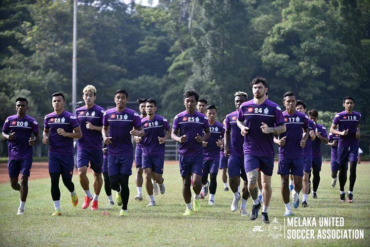 Tim Melaka United menggelar latihan di Lapangan Saraga ITB, Kota Bandung, Rabu (29/1/2020) pagi WIB.