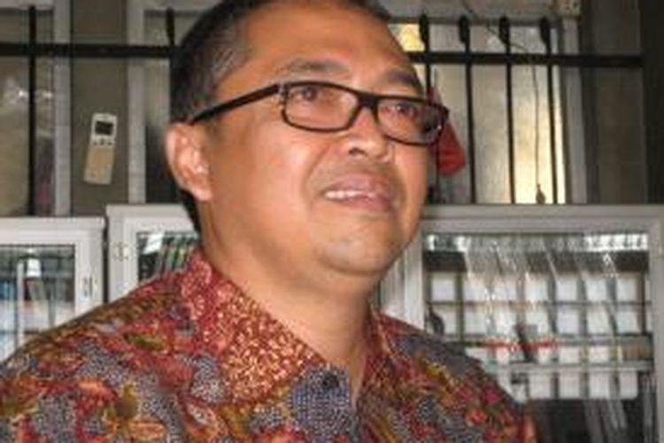 Pendiri dan pemilik Bakso Sehat Bakso Atom (BSBA) B.R. Prabowo. Berawal dari bakso gerobak pada 2003, BSBA hingga kini memunyai sekitar lebih dari 27 gerai di kawasan Jakarta, Bogor, Depok, Tangerang, dan Bekasi (Jabodetabek) plus Bandung. Menginjak tahapan usia 10 tahun, BSBA menyerap pekerja sekitar 300 orang.