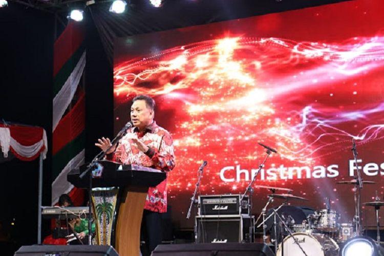 Gubernur Sulawesi Utara Olly Dondokambey membuka Christmas Festival 2018 di Kawasan Pohon Kasih Megamas, Sabtu (1/12/2018) malam.