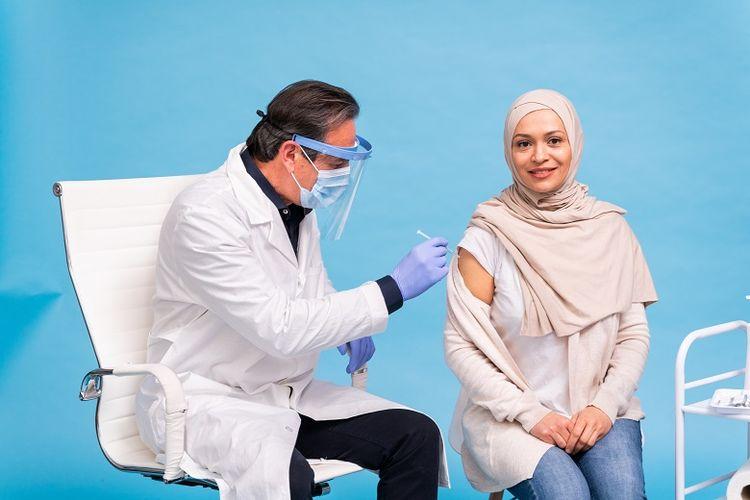 Ilustrasi vaksinasi flu kepada calon jemaah umrah
