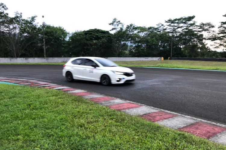 Honda City Hatchback balap di seri kedua ISSOM 2021