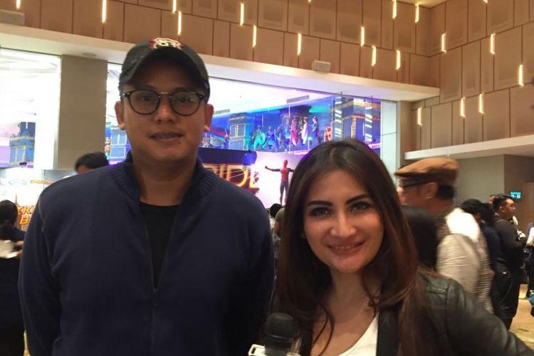 Natalie Sarah dan suaminya, Abdullah Rizal, menghadiri pemutaran perdana film Spider-Man: Homecoming di IMAX Gandaria City, Jakarta Selatan, pada Selasa (4/7/2017) malam.