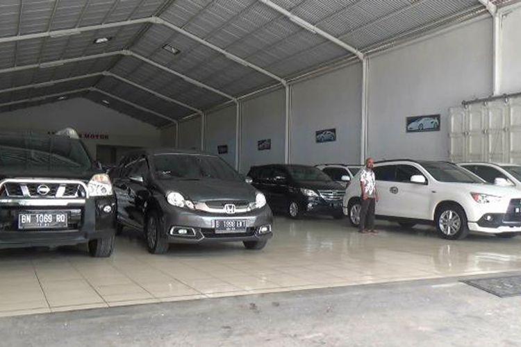 Showroom mobil bekas Andhara Motor di Pangkalanbaru, Pangkalpinang, Kepulauan Bangka Belitung.