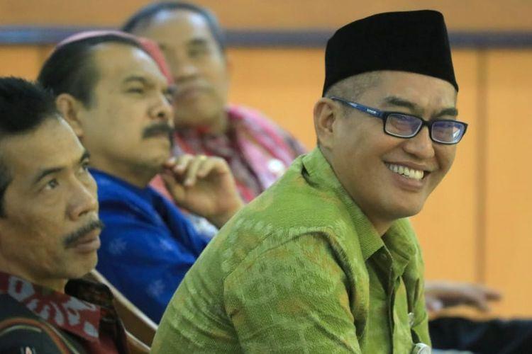 Imam Maskur baru saja lolos lelang terbuka jabatan tinggi sebagai Kepala Biro Kesejahteraan Rakyat (Kesra) Setda Provinsi Jawa Tengah oleh Gubernur Ganjar Pranowo.